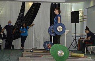 Erkek ve Kadın Halter Milli Takımları olimpiyatlara Çorum'da hazırlanıyor