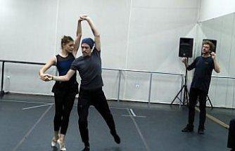 Balet ve koreograf Tan Sağtürk:
