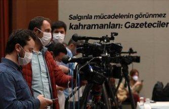Salgınla mücadelenin görünmez kahramanları: Gazeteciler