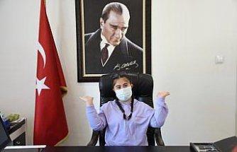 Amasra Kaymakamı Gürbüzerol, koltuğunu down sendromlu çocuğa devretti