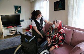 Bedensel engelli anne, kızını tek başına büyütüp evlendirmenin mutluluğunu yaşıyor