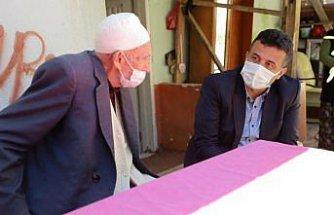 Çarşamba Belediye Başkanı Doğan'dan yaşlılara ve şehit ailelerine bayram ziyareti