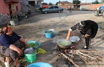 Havza'da kadınların kış hazırlıkları devam ediyor