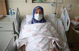 Kovid-19'u ağır geçiren kadın aşı olmamanın pişmanlığını yaşıyor