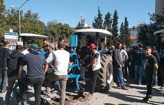 Vezirköprü'de arazi toplulaştırmasına karşı çıkan vatandaşlar eylem yaptı