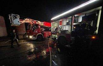 Düzce'de geri dönüşümden enerji üreten fabrikada çıkan yangın hasara neden oldu