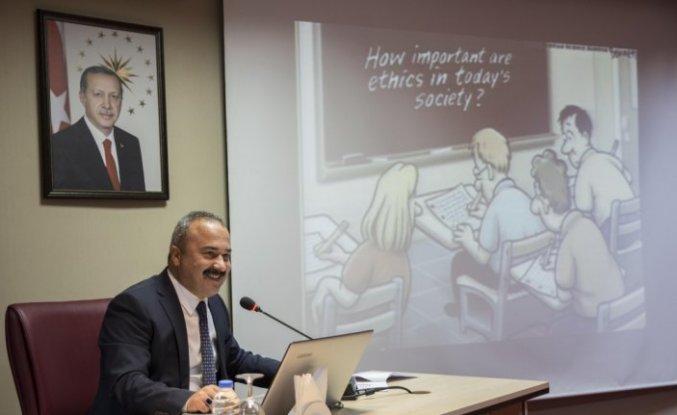 GRÜ'de yayın etiği konulu konferans düzenlendi