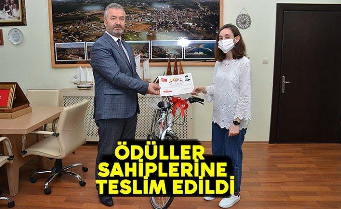 ÖDÜLLER SAHİPLERİNE TESLİM EDİLDİ