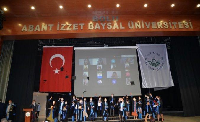 BAİBÜ'de 2019-2020 akademik yılı mezuniyet ve ödül töreni yapıldı