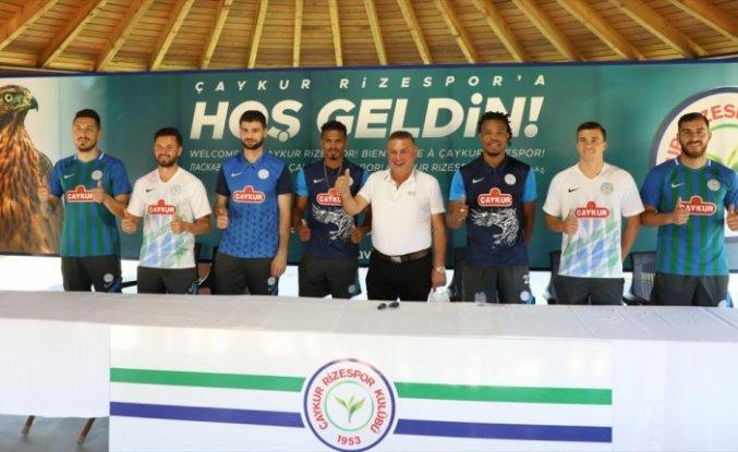Çaykur Rizespor'da yeni transferler için tanıtım töreni düzenlendi