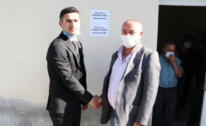 Samsun'da bir ay önce 18 yaşına giren genç muhtar seçildi