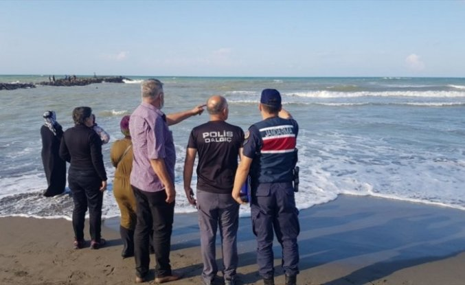 Samsun'da denizde boğulma tehlikesi geçiren kadın ile kızı kurtarıldı bir kişi kayboldu