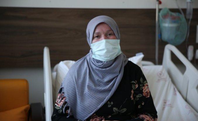 Aşı olacağı gün Kovid-19 teşhisi konulan kadın daha erken davranmadığına pişman