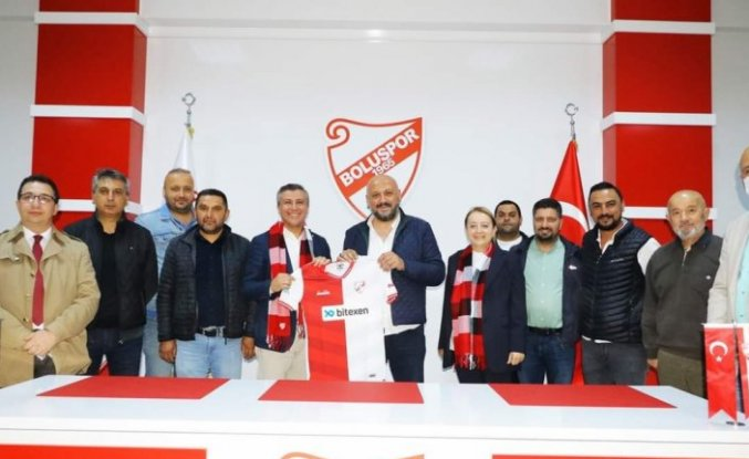 AK Parti teşkilatından Boluspor futbolcularına ve teknik ekibe baklava ikramı