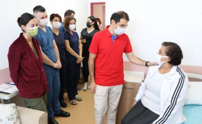 Zonguldak'ta kulak kemiğinde tümör bulunan hemşire 3 saatlik operasyonla sağlığına kavuştu