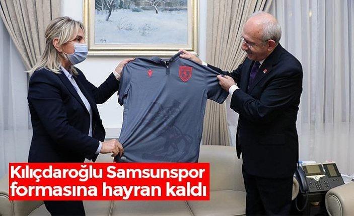Kılıçdaroğlu Samsunspor formasına hayran kaldı
