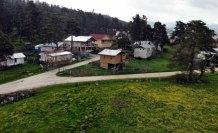 Bolu'nun yaylalarında iki mevsim bir arada yaşanıyor