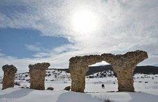 Dağın eteğindeki antik kent turizme kazandırılacak