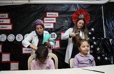 Gönüllü melekler öğrencilere