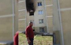 Psikolojik sorunlu genç evde yangın çıkardı