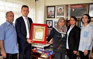 Afrin şehidinin belgesi ailesine verildi