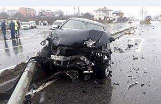 Ordu'da otomobil ile hafif ticari araç çarpıştı:...