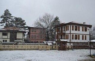 Safranbolu'da kar yağışı