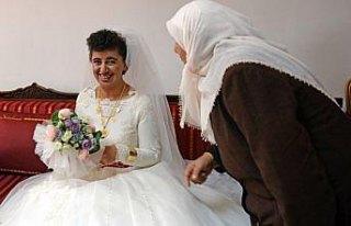 Zihinsel engelli Zeynep'in gelinlik hayali gerçekleşti