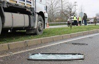 Çarşamba'da kamyon ile otomobil çarpıştı: 1...