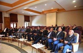 Başkan Çatal mahalle muhtarları ile bir araya geldi