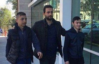 Samsun'da otomobil çaldıkları öne sürülen 4...