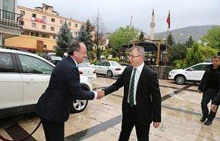 """Vali Doruk'tan Belediye Başkanı Elçin'e """"Hayırlı..."""