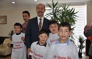Özel öğrencilerden Başkan Kılıç'a ziyaret