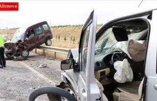 Bayram tatilinde trafik kazaları can almaya devam...