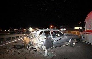 Samsu'da 2 otomobil çarpıştı: 1 ölü, 4 yaralı