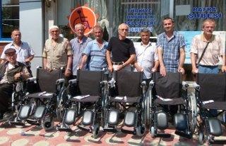 Omurilik Felçlilere Tekerlekli Sandalye Dağıtıldı
