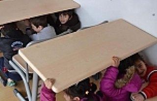 Öğrenciler Depremi Yaşayarak Öğrendi
