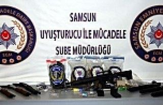 Samsun'da 2 Kilo 400 Gram Sentetik Uyuşturucu Ele...