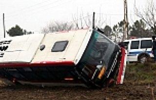 Samsun'da Özel Halk Otobüsü Devrildi