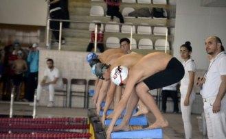 Anadolu Yıldızları Analig Yüzme Yarışları tamamlandı