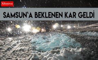 Samsun`a beklenen kar geldi