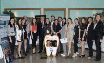 Dünyanın dört bir yanından diş hekimliği öğrencileri Yeditepe'de buluştu