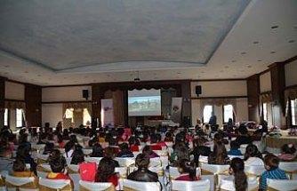 Safranbolu'da ilkokul öğrencilerine film gösterimi