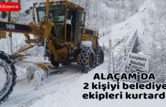 Karda mahsur kalan 2 kişiyi belediye ekipleri kurtardı