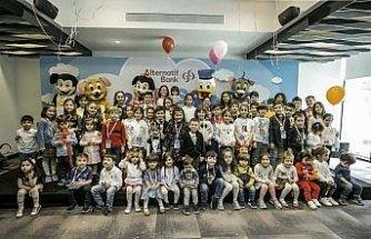 Alternatif Bank 23 Nisan'ı çalışanlarının çocuklarıyla kutladı