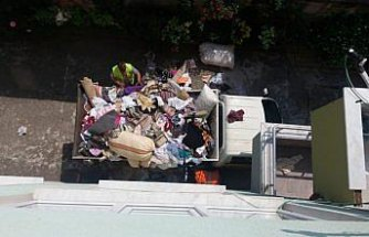 Apartman dairesinden bir kamyon atık çıktı