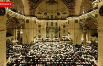 Kadir Gecesi'nde 38 bin 690 cami sabaha kadar açık