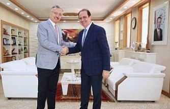Erzincan Binali Yıldırım Üniversitesi Rektöründen Rektör Coşkun'a ziyaret