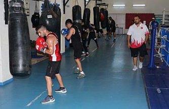 Genç boksörlerin Kastamonu kampı sürüyor