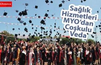 Sağlık Hizmetleri MYO'dan Coşkulu Veda
